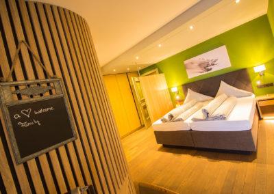 elegant-wohnen-am-arlberg-im-hotel-hubertushof-8